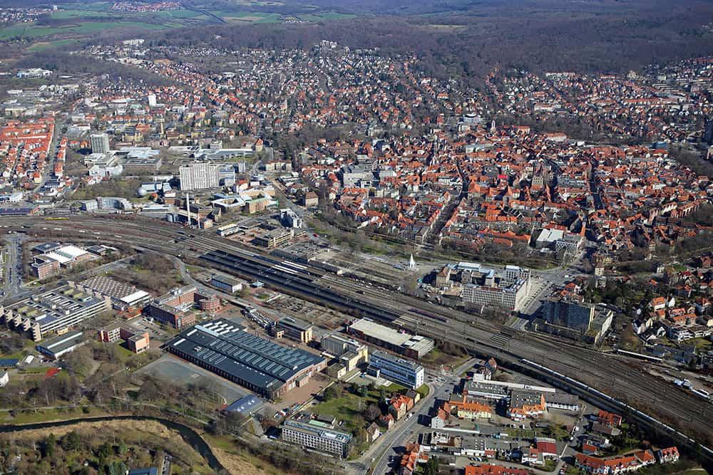 Lokhalle und Stadt©RampfelGöFlug Kopie